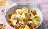 Bandnudeln mit Kürbis und Gorgonzola - Walnuss - Sauce