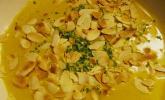 Curry - Rahmsuppe mit Mandelblättchen