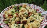 Salat mit geröstetem Blumenkohl und Haselnüssen
