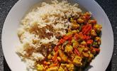 Currygemüse mit Erdnüssen in Kokosmilch