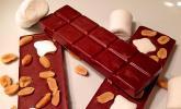 Marshmallow-Star-Schokolade mit Erdnüssen und Zimt