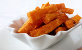 Knusprig frittierte Süßkartoffel-Pommes