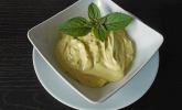 Mayonnaise mit dem Pürierstab hergestellt