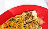 Gemüsespaghetti in Curry-Kokosmilch mit Pangasiusfilet
