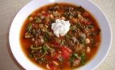 Vegetarische Spinatsuppe mit Kichererbsen und Tomaten