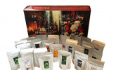 Kaffee Adventskalender (rot) – Kaffee aus aller Welt – 24 Geschenke inkl. Kopi Luwak