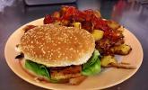 Hamburger vegan mit pikanten Ofenkartoffeln