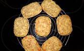 Überbackene Brötchen mit Mett und Käse