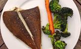 Rezept Gegrillte Scholle mit Brokkoli und Karotten
