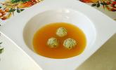 Rezept Klare Tomatensuppe mit Petersilienklößchen