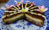 Schokoladen-Kuchen mit Jacobsfrüchten und Birnen