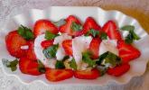 Erdbeeren mit Mozzarella und Basilikum