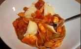 Schnelle Pasta mit Garnelen-Bolognese