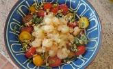 Krümeltigers scharfe Knoblauch-Shrimps mit Creme fraiche und Rohkost
