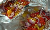 Hühnchenbrust mit Pfirsich und Ingwer in Alufolie