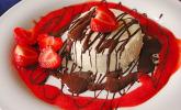 Mascarpone-Panna Cotta mit Erdbeersauce
