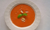Schnelle Tomatensuppe mit Frischkäse