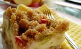 Platz 37: Rhabarberkuchen mit Quarkcreme und Streuseln