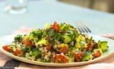 Quinoa Powersalat mit Tomaten und Avocado