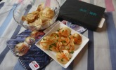 Garnierte Kartoffelchips mit Kaviar