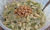 Kartoffel-Rucola-Salat mit Nüssen