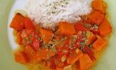 Fruchtig - pikantes Gemüsecurry mit Tomaten und Hokkaido - Kürbis