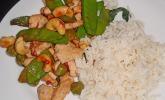Chili-Huhn mit Thai-Basilikum und Cashews