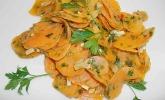 Scharfer Karottensalat mit Kräutern