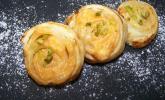 Mini Aprikosen-Frischkäse-Schnecken