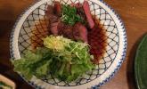 Seltener Genuss: Rinderfilet-Streifen und Salat
