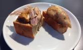 Hähnchen auf Knoblauchbrot, zubereitet von Mario Kotaska