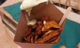 Süßkartoffelchips mit Avocado-Mayo-Dip habe ich beim Foodtruck erstanden.