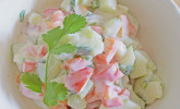 Gurkensalat mit Joghurt und Paprika