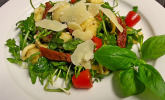Platz 08: Italienischer Nudelsalat mit Rucola und getrockneten Tomaten