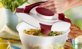 Westmark Salatschüssel mit Tragegriffe und Dressing-Behälter
