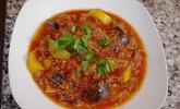 Türkischer Zucchini-Auberginen-Eintopf mit Tatar