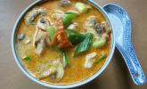 Thailändische Kokossuppe mit Huhn