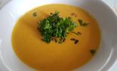 Vegane Süßkartoffel–Erdnuss-Suppe