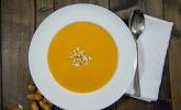 Süßkartoffel–Erdnuss-Suppe