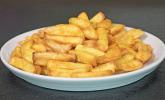 Frische Pommes aus der Heißluftfritteuse von Medion
