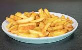 Frische Pommes aus der Heißluftfritteuse von Philipps