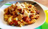 One-Pot-Pasta mit Hähnchen & Tomaten