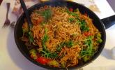Platz 44: Chinesisch gebratene Nudeln mit Hühnchenfleisch, Ei und Gemüse