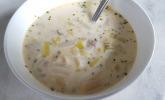 Schnelle Spargel-Lauch-Käse-Suppe