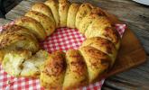 Pesto-Brotkranz mit Feta