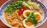 Platz 38: Pikante Thai Suppe mit Kokos und Hühnchen