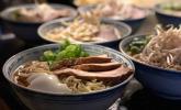 Platz 40: Japanische Nudelsuppe mit Hühnerbrühe und Lende – Ramen