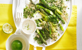 Kräuter-Couscous mit Spargel und Mascarpone-Limetten-Sauce