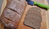 Dinkel-Hanf-Brot