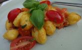 Gnocchi mit Tomaten und Mozzarella